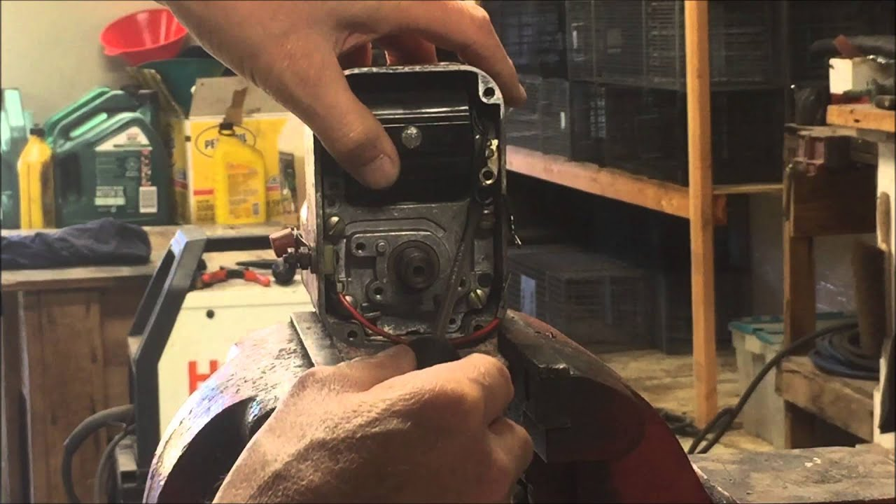 Gravely Walk Behind Tractor - Dismantling the Wico XH Magneto