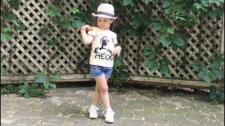 Урок «фотопозирование» от Ариаши 😅 когда очень хочешь быть фотомоделью, как мама 💃🏽
