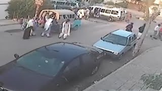 LiveLeak - Car mirror thief gets instant justice