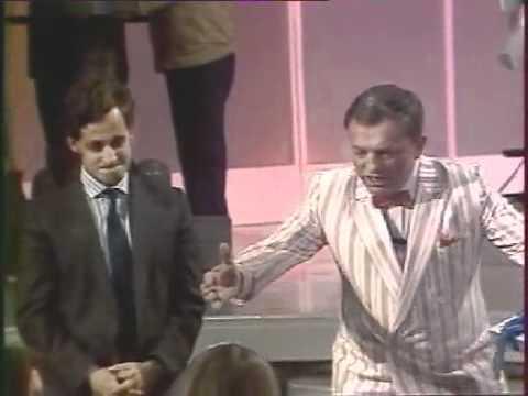 Sarkozy reçu par Jacques Martin à l' école des fans