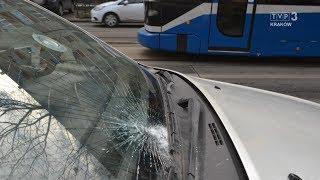 Jedź bezpiecznie odc. 686 (potrącenia na przystankach tramwajowych)