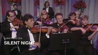 Larry Dalton - Silent Night (Live)