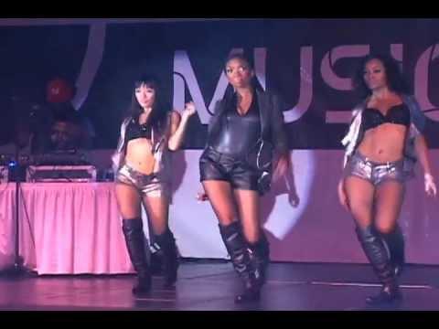 "Brandy ""Put It Down"" at FSO ATL 2012"