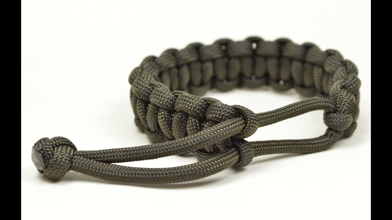 Make A Mad Max Style Paracord Survival Bracelet The Original Boredparacord You