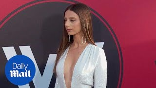 Angela Sarafyan is a vision in white at the Westworld premiere - Daily Mail
