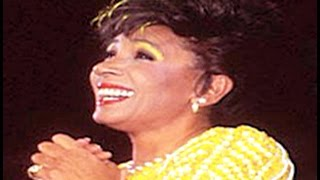 Watch Shirley Bassey The Boy From Ipanema video