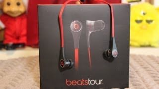 Beats tour v2 Review (BLACK)(Beats tour v2 Review ONOURSHELF http://instagram.com/onourshelf https://twitter.com/onourshelf http://www.facebook.com/Onourshelf ..., 2013-10-29T20:13:53.000Z)