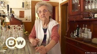 One German pub owner is still serving at 87 | DW Documentary