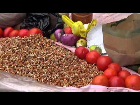 Sprouted Chana (Chickpeas) Masala... At Infront Of Eden Gardens | Street Food Of Kolkata