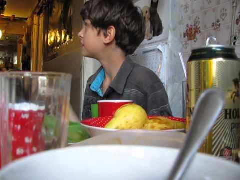 Чем лечить кашель у ребёнка - народные методы избавления