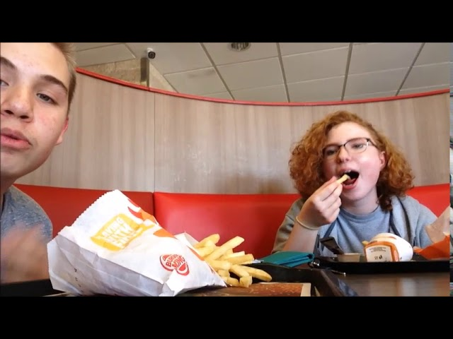 TRYING BURGER KINGS SPICY NUGGETS! A Vlog