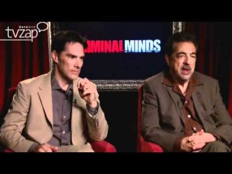 Thomas Gibson and Joe Mantegna interview (with Italian translation)