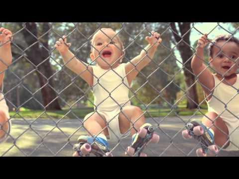 """Evian """"Rollerbabies"""" by BETC"""