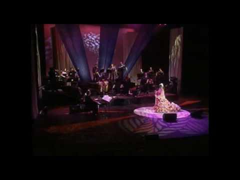 Клип Celia Cruz - Mi Vida Es Cantar