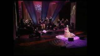 Watch Celia Cruz Mi Vida Es Cantar video