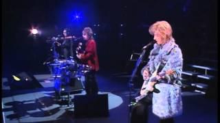 AUBE 2001 GLINT BEAT Live at BUDOKAN Dec.24 Figure 17 Opening Theme.