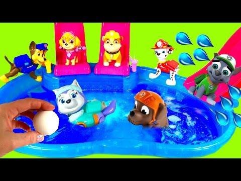 Paw Patrol Dives for Toys Surprises in Magical Bath Bomb Pool!