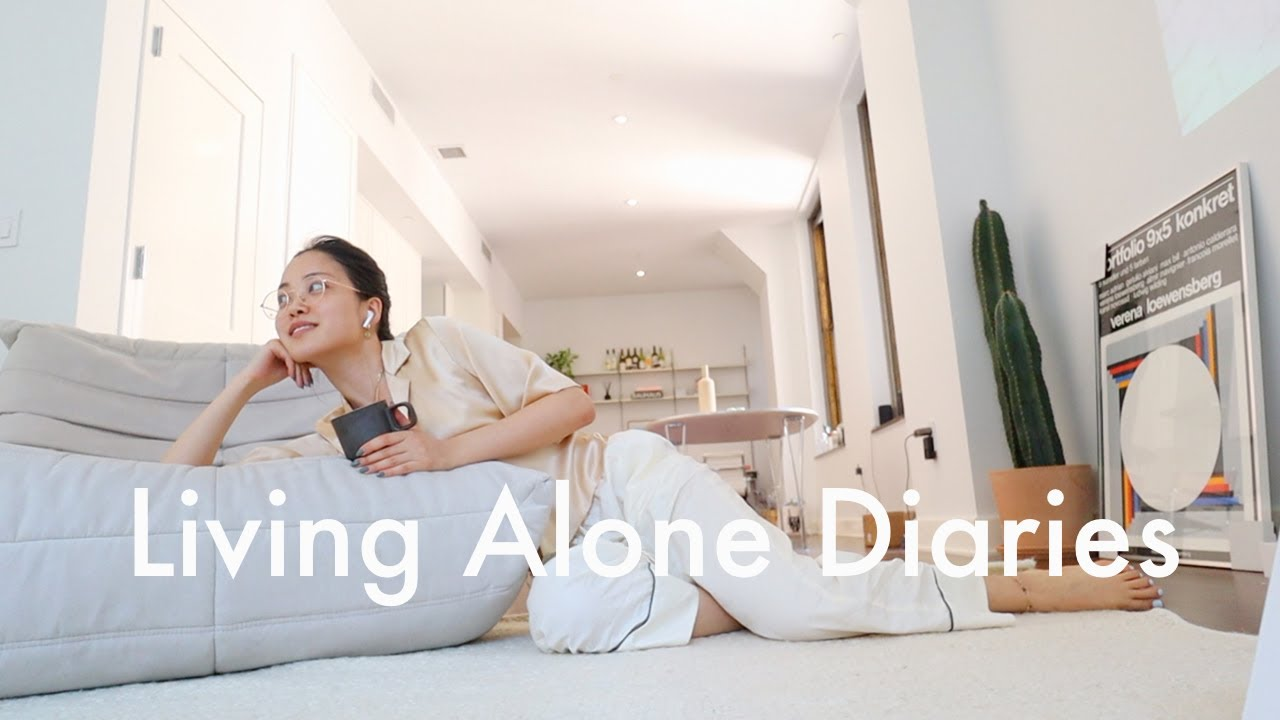 Living Alone Diaries | Maintaining a clean and tidy space, cozy living room decor, shopping!