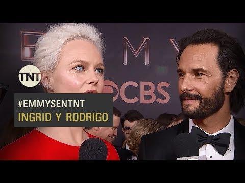 EMMYS  Westworld  Ingrid Bolso Berdal y Rodrigo Santoro