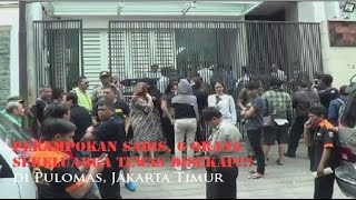 Video Polisi Olah TKP Perampokan Sekeluarga di Pulomas, Jakarta Timur - Live Phoner download MP3, 3GP, MP4, WEBM, AVI, FLV Juni 2017