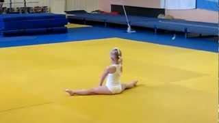 Василенко Дария 2ой юношеский акробатика.MOV