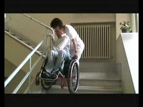 le scale e la sedia a rotelle  YouTube