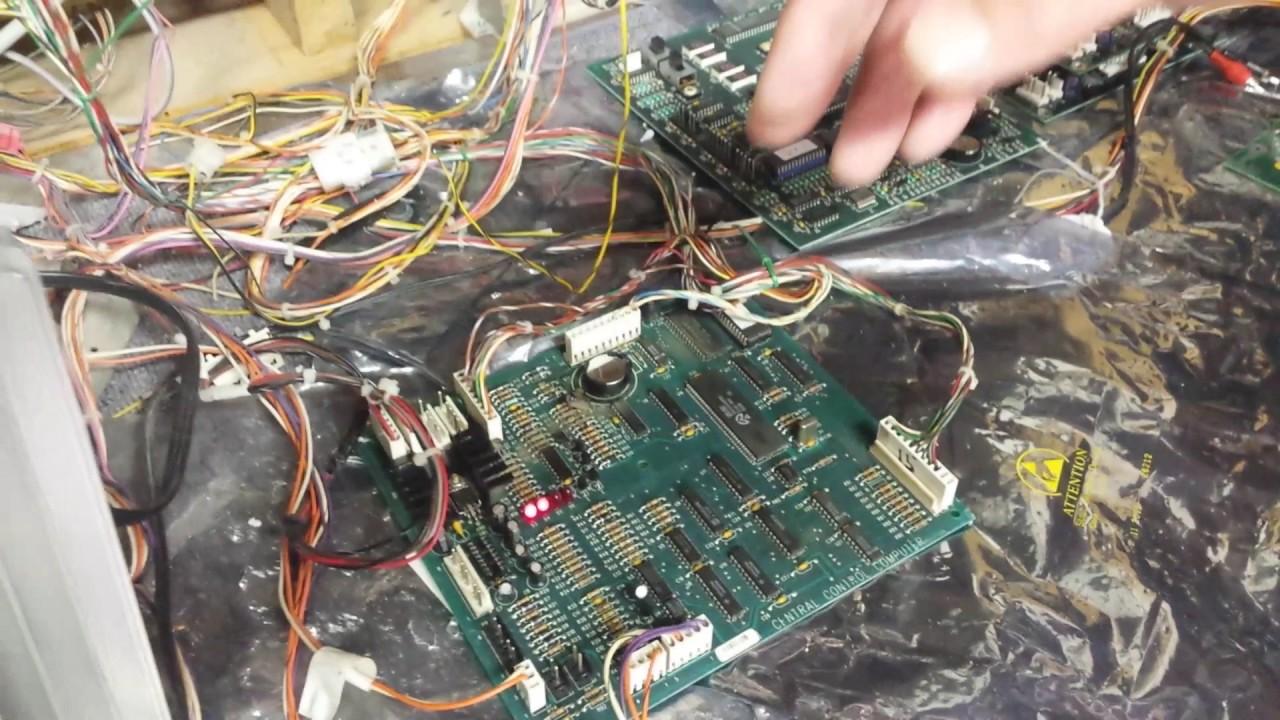 Programming a Rowe CD jukebox to Free Play