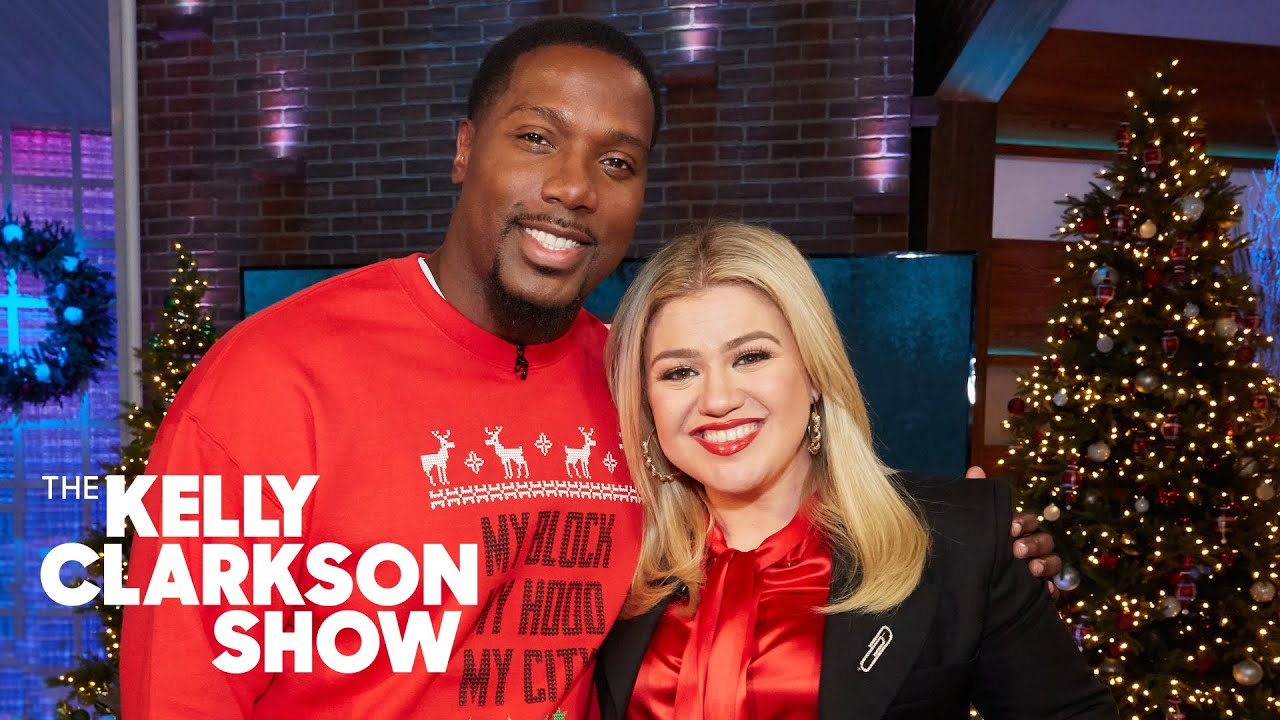 Kelly Clarkson Welcomes the Holidays With 'Christmas Isn't ...