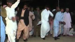 Repeat youtube video Saraiki Jhoomar(Dance).....flv