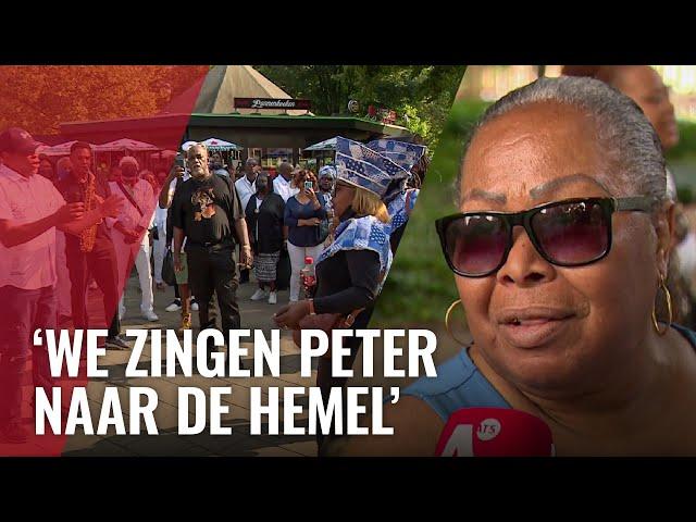 Surinaamse gemeenschap eert Peter met Singi Neti