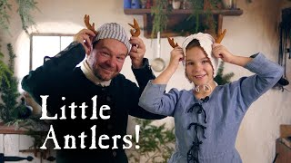 It's Christmas in the Kitchen! - Little Deer Antlers