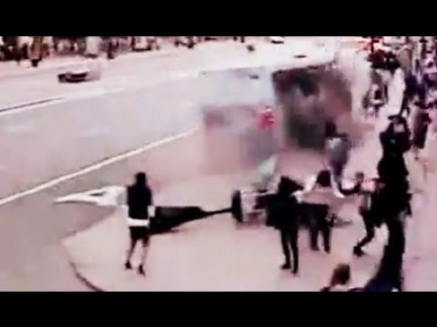 amazing-bus-accident-cctv