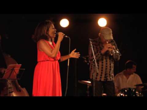 Mas de Daumas Gassac Concert de Jazz sous les étoiles avec Rachel Ratsizafy