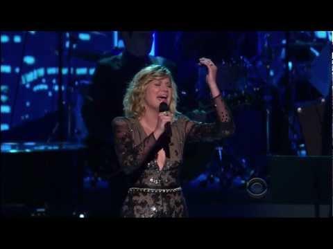 Jennifer Nettles - Hello Again (Neil Diamond cover)