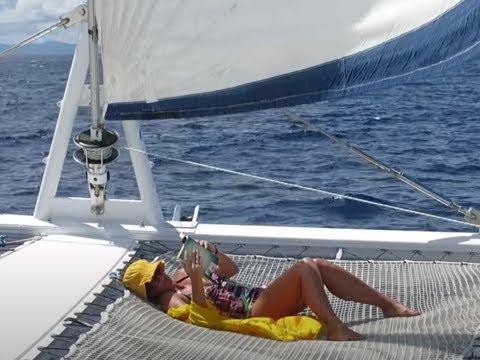 Bora Bora sailing cruise in French Polynesia