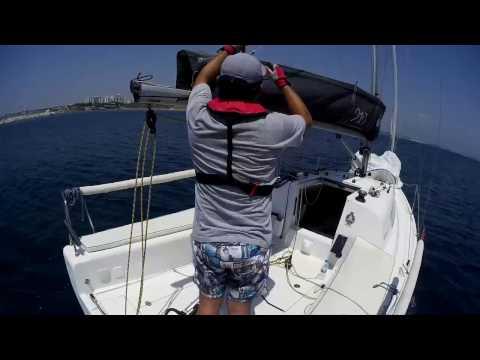 solo sail with Elan 210