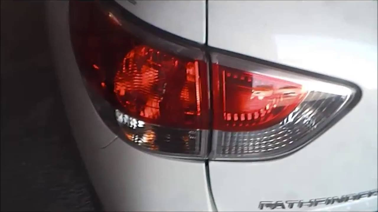 High Quality Nissan Pathfinder Tail Lamp Bulb Replacement How To