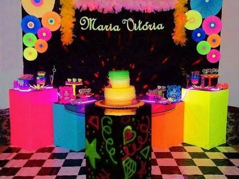 Decoracion Fiesta En Colores Neon Youtube