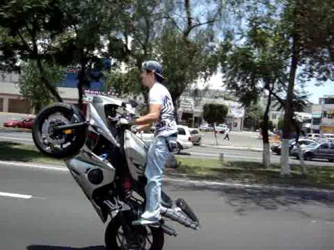 how to stand up wheelie