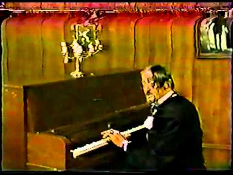Dr Paul Bearer sing Poisoning Pigeons In The Park