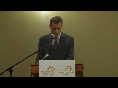 Mark Sutcliffe speaks to Hospice Care Ottawa volunteers