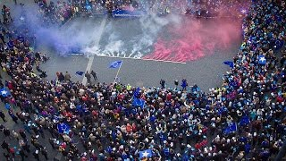 """Miles de personas de """"Pulse of Europe"""" piden a Francia que siga en la UE"""