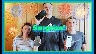 📱SURPRISE! iPhone 11 Pro, Galaxy Note 10 Plus, And Galaxy S10 PLUS! 🎉😆FIRST DAY TV📱