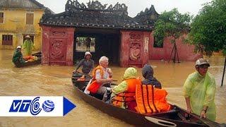 Hình ảnh phố cổ Hội An chìm trong biển nước | VTC