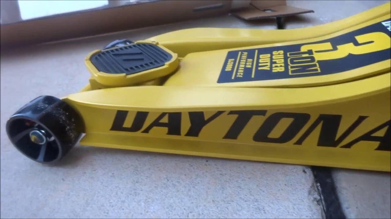 e470e76165a Harbor Freight Daytona 3 Ton Floor Jack Unboxing 63183