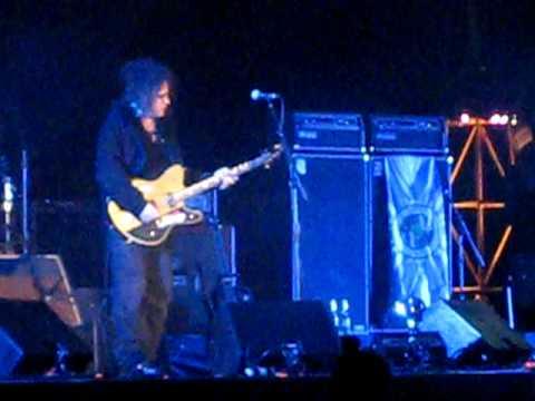 The Cure - Underneath the Stars (Live @ Coachella 4/19/09)