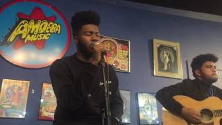 Khalid performing Coaster Acoustic LIVE