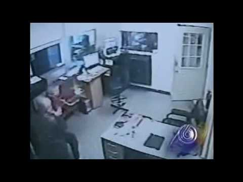 (SV) Thugs Try Brazen Robbery, Get Shot by Store Owner