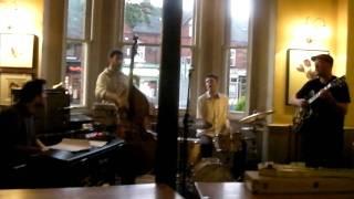 Luke Flowers, Billy Buckly and friends @ LLoyds Bar