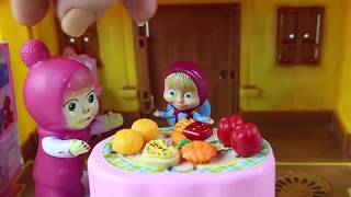 Masha Evde Neler Yapıyor Maşa ile Koca Ayı Kahvaltı Yapıyor Çizgi Filmler